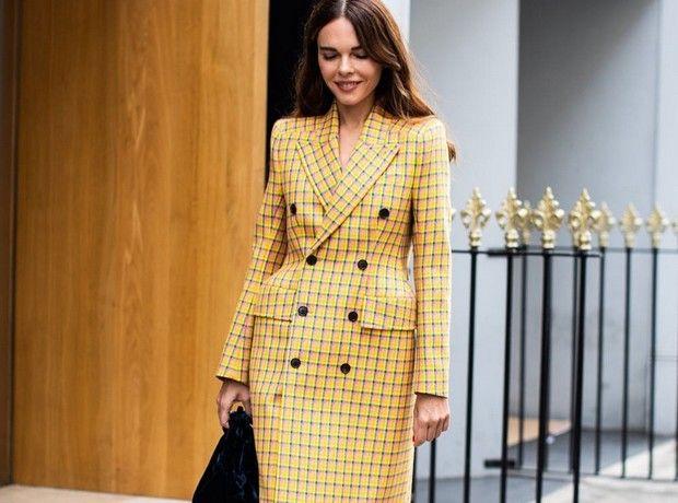 Οδηγός αγοράς: 5 καρό παλτό για να επενδύσεις στις εκπτώσεις
