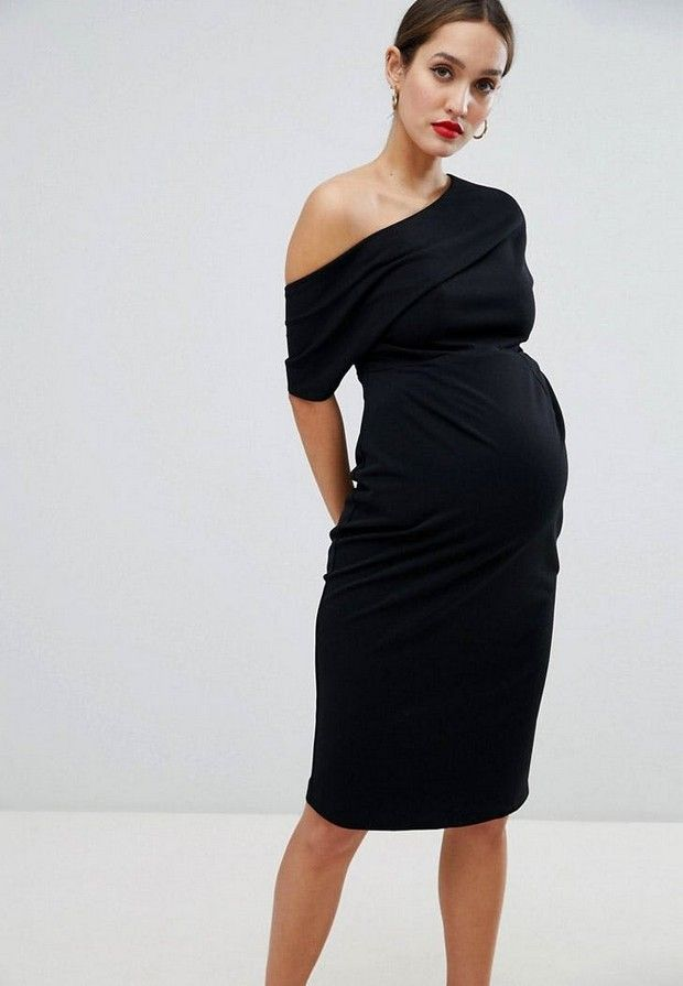 80b5bcb20188 ... Πού θα βρεις ένα μαύρο φόρεμα σαν αυτό της Meghan Markle στα British  Fashion Awards