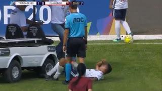 Τραυματιοφορέας για κλάματα…σακάτεψε τον τραυματία!