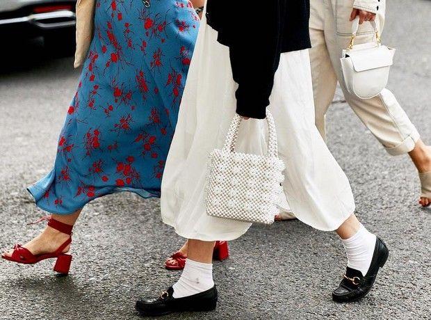 09717b01ffe7 Οι λευκές κάλτσες είναι ξανά cool και δε φοριούνται μόνο με τα sneakers