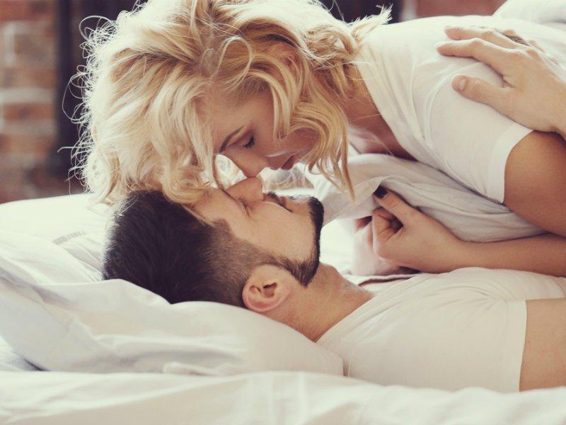 Friends with benefits: Κι αν νιώσεις ότι τον ερωτεύεσαι τι κάνεις;