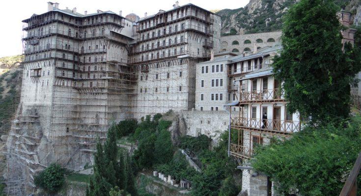 Δημοψήφισμα για τη Συμφωνία των Πρεσπών ζητά η Ιερά Κοινότητα του Αγίου Όρους