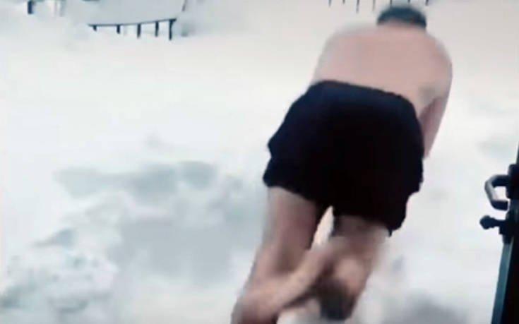 Κολυμπώντας στο χιόνι