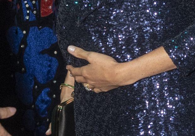 Η εντυπωσιακή Meghan Markle και το χρυσό βραχιόλι-φόρος τιμής στην Diana