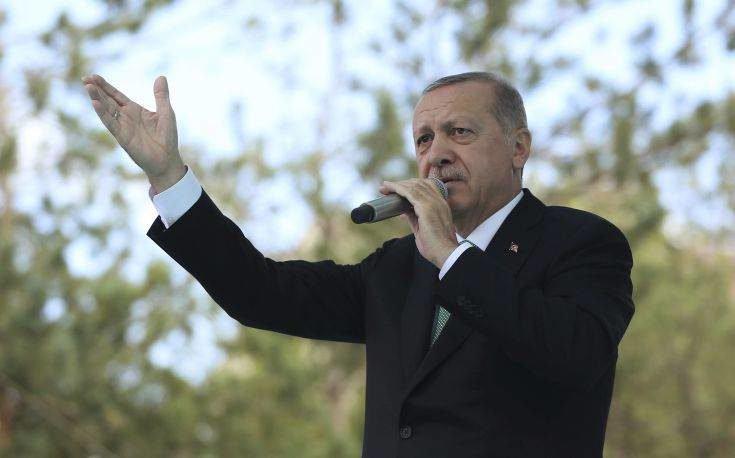 Δέσμευση Ερντογάν για πρωτοβουλίες στο μέτωπο της Συρίας