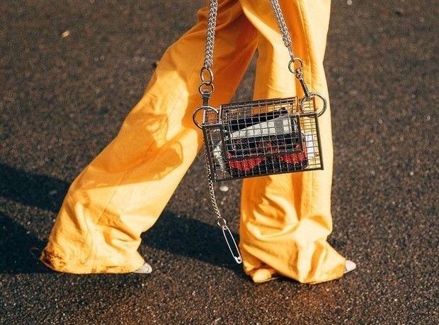 Οδηγός αγοράς: 8 items στις αποχρώσεις του πορτοκαλί που θα φωτίσουν την ανοιξιάτικη ντουλάπα σου
