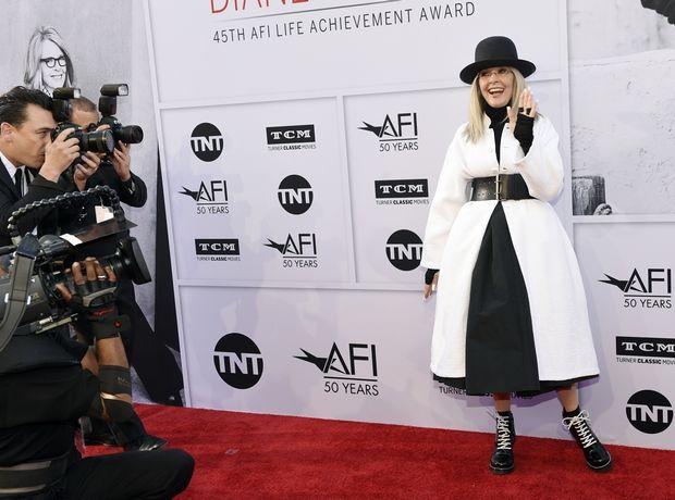 Η Diane Keaton αποφάσισε να γίνει fashion blogger κι εμείς αποφασίσαμε να προσκυνήσουμε το είδωλο
