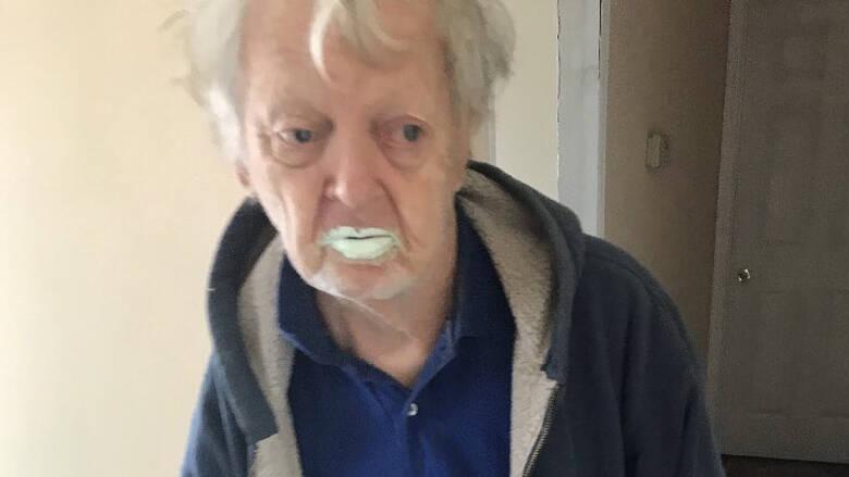 Παππούς ετών 90 έφαγε μισό δοχείο με μπογιά επειδή το πέρασε για γιαούρτι