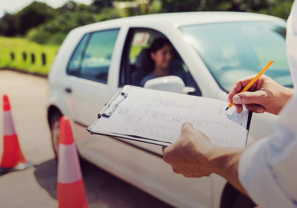 Ξεκίνησαν μετά από τέσσερις μήνες οι εξετάσεις οδήγησης στην Αττική