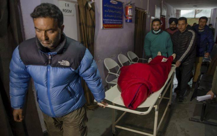 Στους 150 οι νεκροί από το νοθευμένο αλκοόλ στην Ινδία