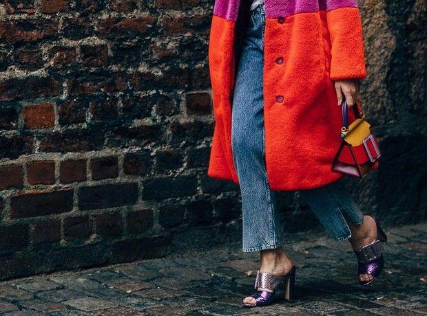 Mom's jeans: Πώς να τα φορέσεις ανάλογα με το στιλ σου