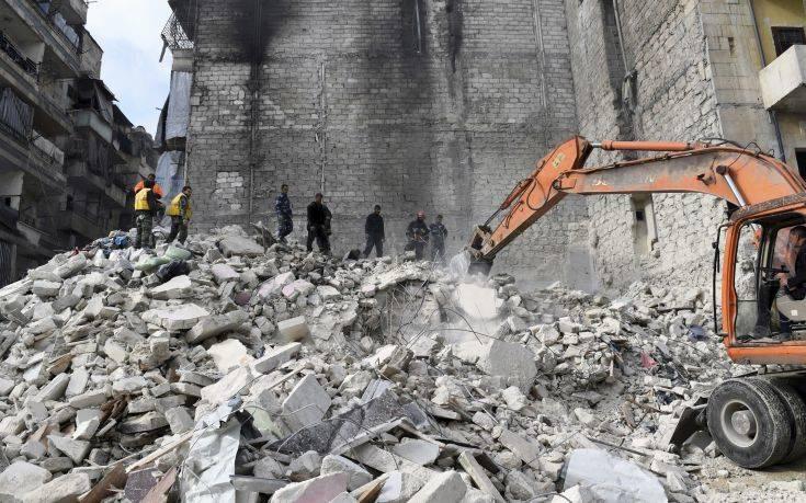 Τραγωδία με 11 νεκρούς από κατάρρευση κτιρίου στο Χαλέπι