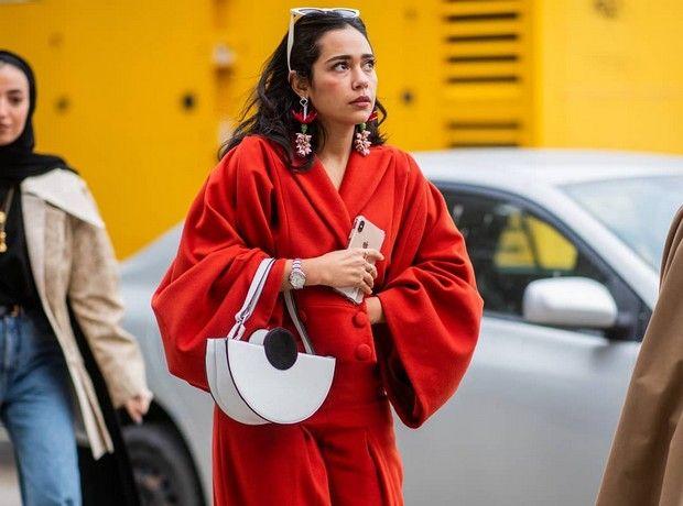 Something red: Πώς να προσθέσεις το κόκκινο και τις αποχρώσεις του στο outfit σου