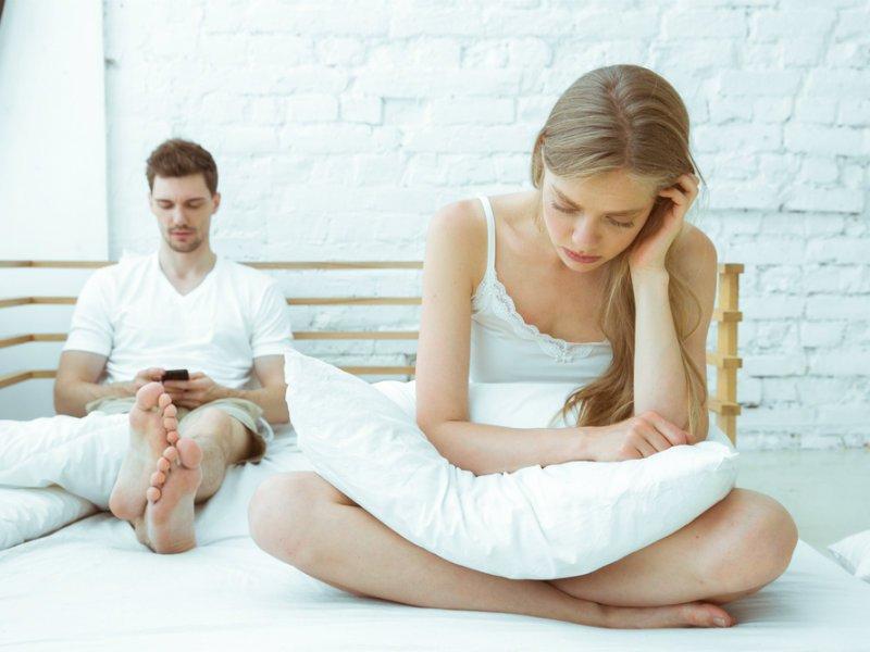 Τι πρέπει να κάνεις όταν η ανασφάλεια καταστρέφει τη σχέση σας;