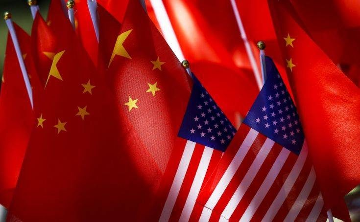 Βήματα τερματισμού του εμπορικού πολέμου κάνουν ΗΠΑ και Κίνα