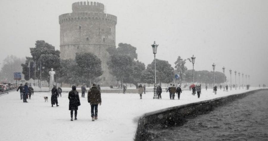 Θεσσαλονίκη: Ανοίγουν θερμαινόμενοι χώροι λόγω του επερχόμενου ψύχους