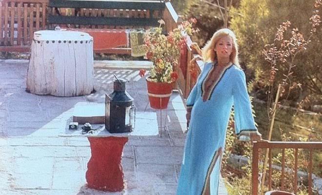 Το μαγευτικό εξοχικό της Αλίκης Βουγιουκλάκη στον Θεολόγο [Εικόνες]