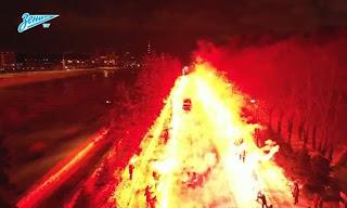 Έβαλαν…φωτιά για να περάσει το πούλμαν της ομάδας τους!