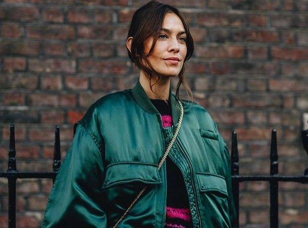 Η Alexa Chung φόρεσε την απόχρωση του πράσινου που θα κυριαρχήσει την άνοιξη