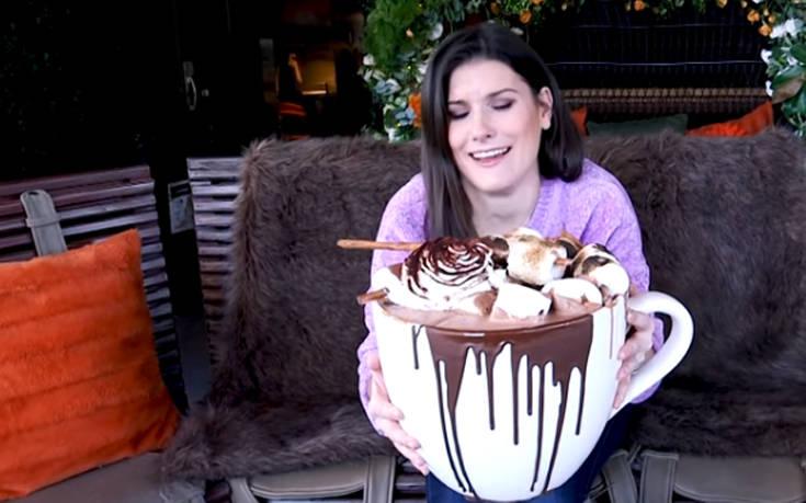 Η γιγάντια ζεστή σοκολάτα με κόστος 330 ευρώ