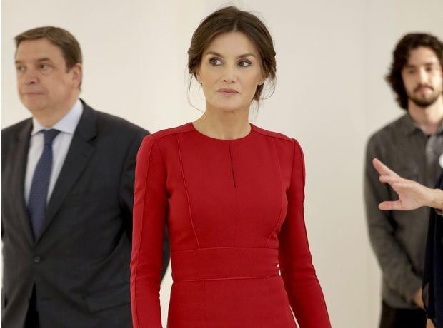 Queen Letizia: 3 σύνολα της γαλαζοαίματης που θα σε εμπνεύσουν για τα looks της δουλειάς