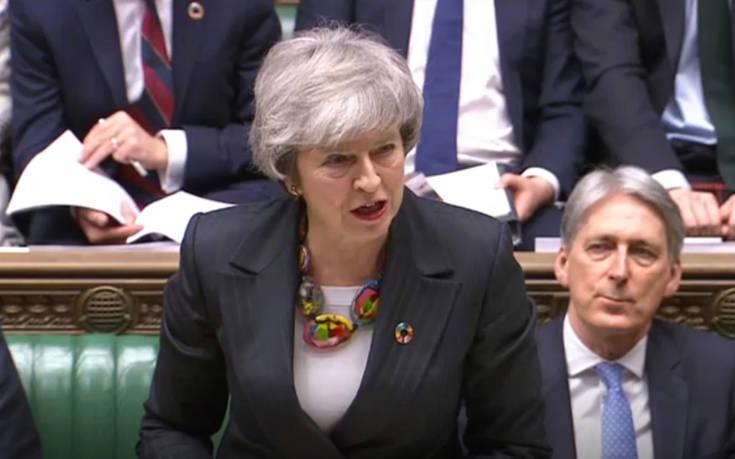 Προχωρά κανονικά στην ψηφοφορία για τη συμφωνία του Brexit η Μέι