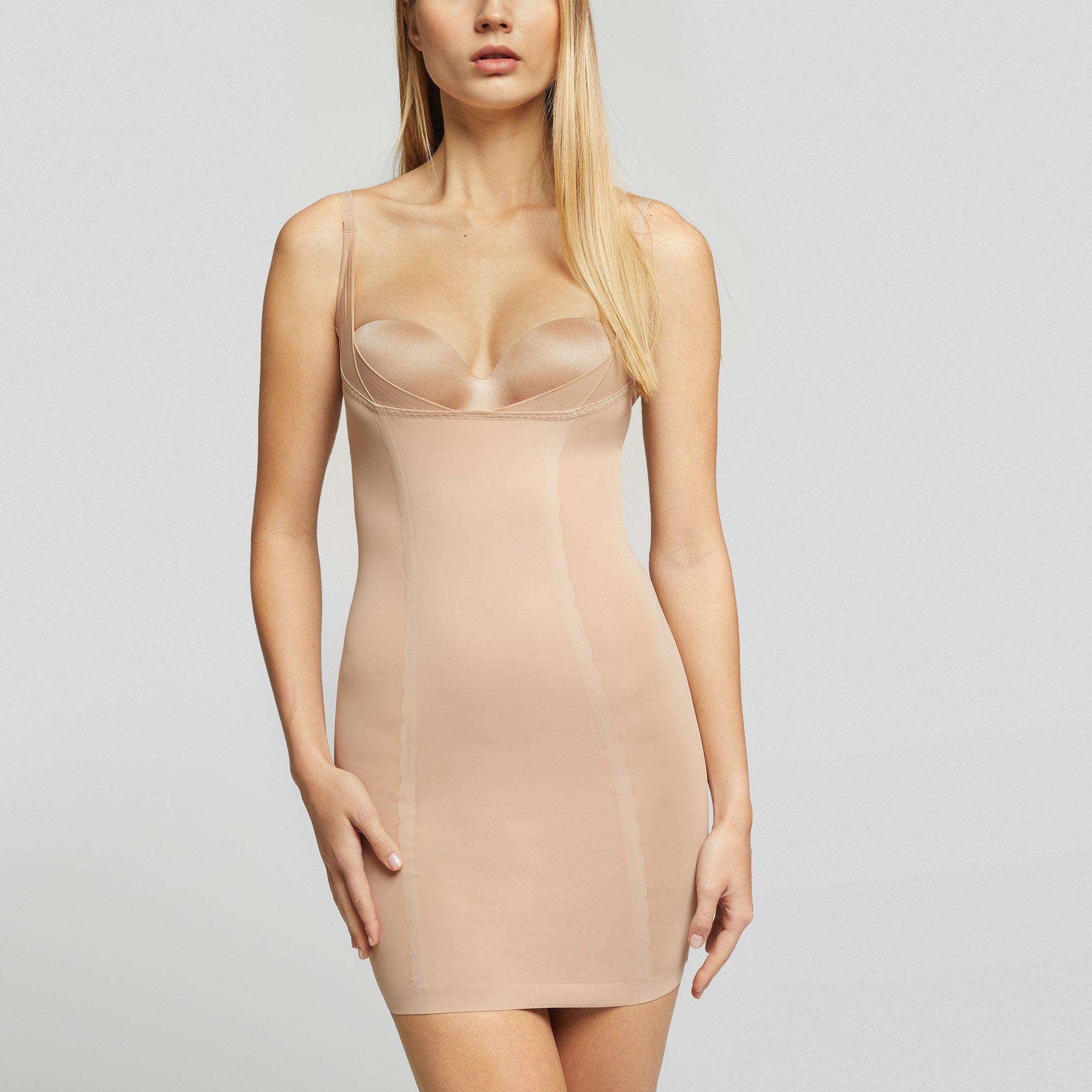 Το απόλυτο styling trick για να φαίνεσαι πιο αδύνατη με κάθε σου φόρεμα