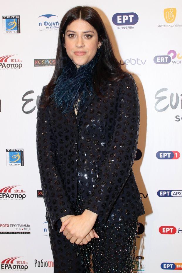 Τo glam look της Κατερίνας Ντούσκα μας δίνει ντίσκο vibes και πολύ μας αρέσει