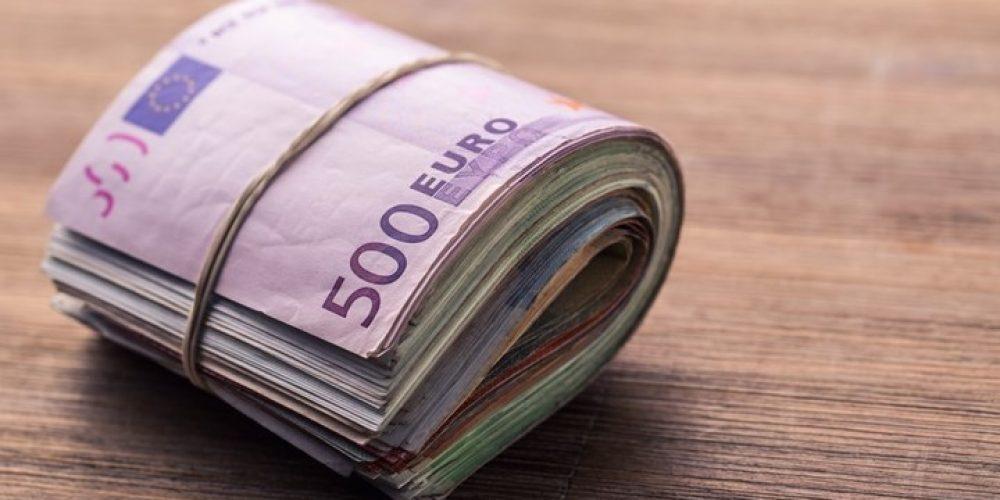Υπάλληλοι της ΑΑΔΕ βρέθηκαν με αδικαιολόγητη περιουσία 4,4 εκατ. ευρώ