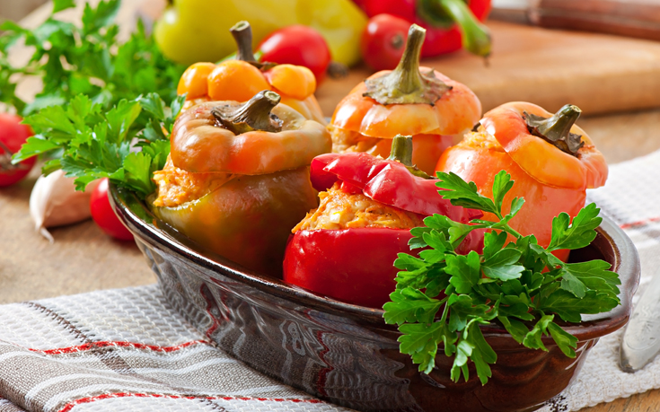 Γεμιστές πιπεριές με κοτόπουλο