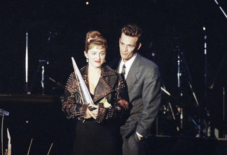 Όταν η Μαντόνα φιλούσε με πάθος στο στόμα τον Λουκ Πέρι