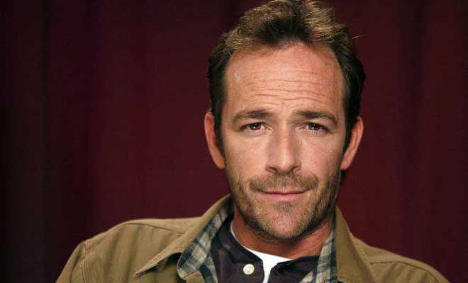 Άγνωστες πτυχές της ζωής του «Ντίλαν» από το Beverly Hills 90210