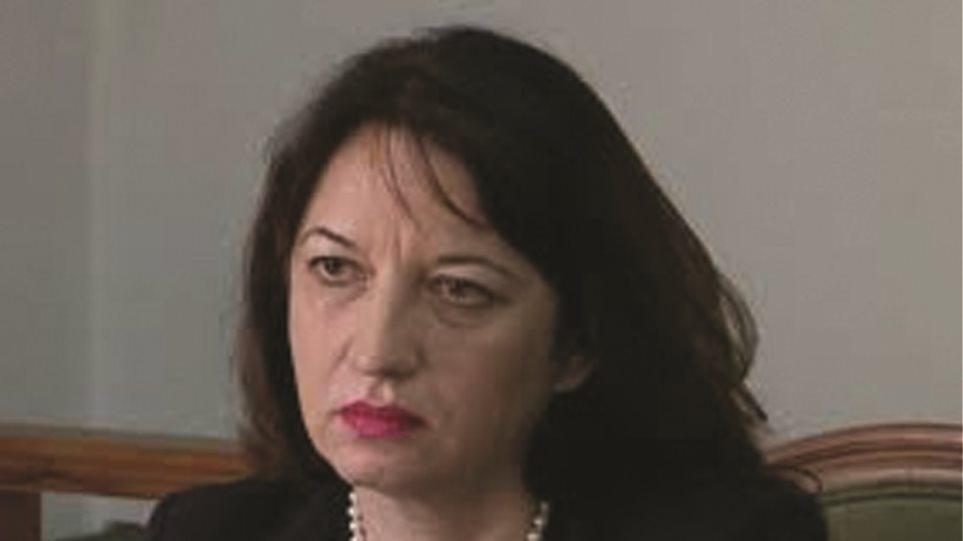 Απολύθηκε η πρέσβης της Αλβανίας στην Αθήνα για την κλοπή 100 διαβατηρίων