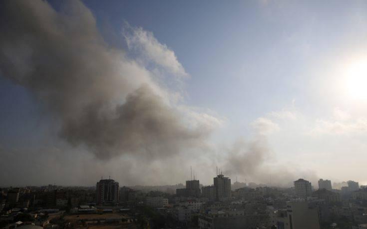 Αεροπορικές επιδρομές κατά στόχων της Χαμάς στη Γάζα