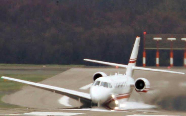 Προσγείωση αεροπλάνου με άνεμο 120 χιλιομέτρων την ώρα