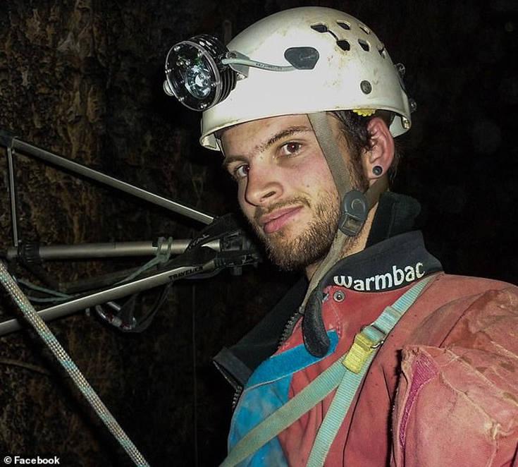 Δύτης που συμμετείχε στη διάσωση των παιδιών στην Ταϊλάνδη παγιδεύτηκε σε σπήλαιο