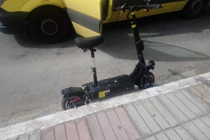 Τροχαίο με ηλεκτρικό πατίνι στα Χανιά: Έχασε τον έλεγχο και κατέληξε στο νοσοκομείο (εικόνες)