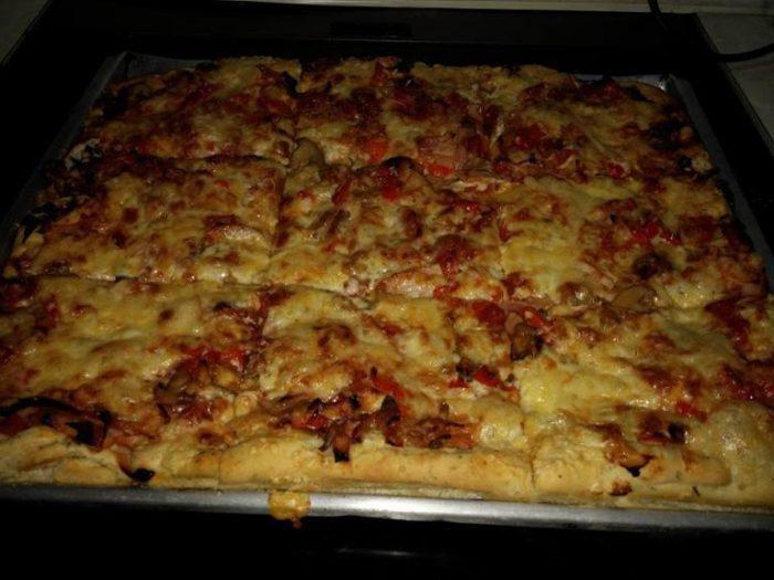 Φανταστικά πιτσοκούλουρα και pizza