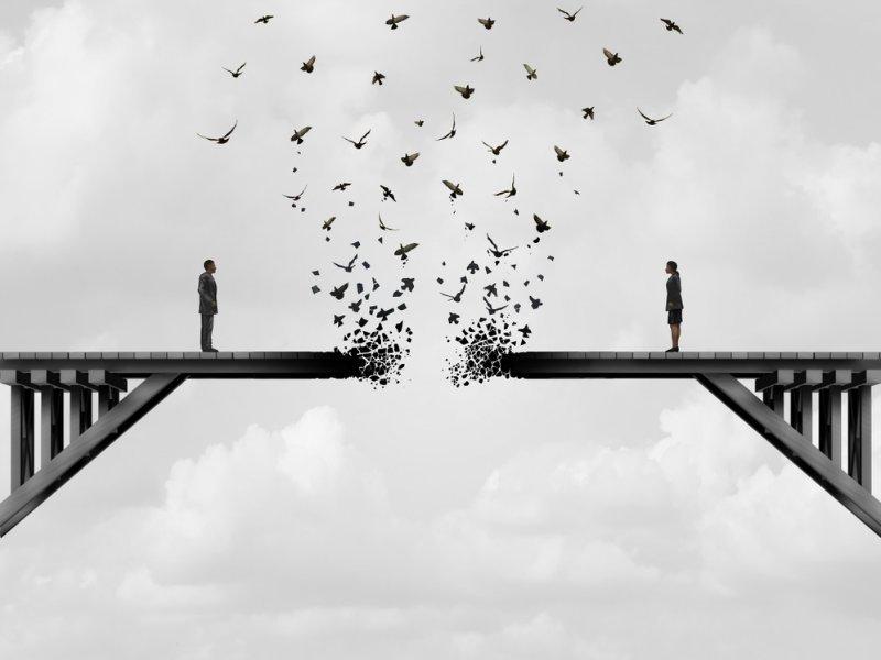 Χωρισμός: Γιατί όταν τελειώνει μια σχέση περνάμε ένα είδος πένθους;