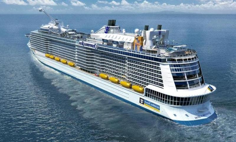 Το μεγαλύτερο κρουαζιερόπλοιο του κόσμου αγκυροβόλησε στον Πειραιά [φωτο+βίντεο]