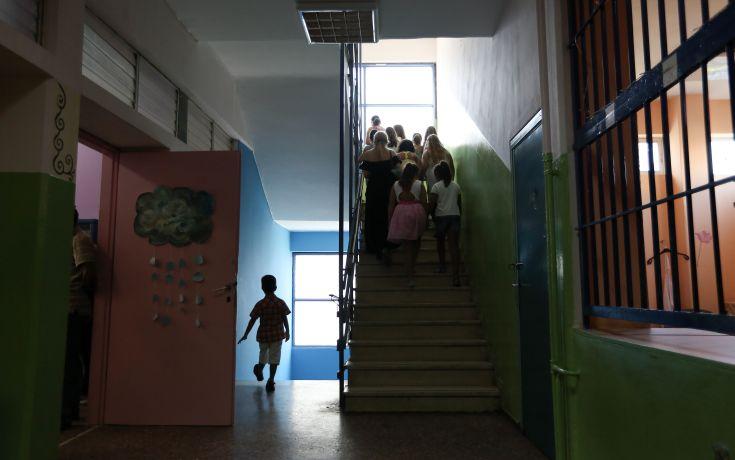 Πότε ξεκινούν οι εγγραφές των μαθητών σε νηπιαγωγεία και δημοτικά