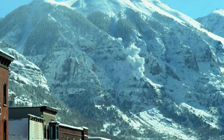 Ελικόπτερο προκάλεσε χιονοστιβάδα