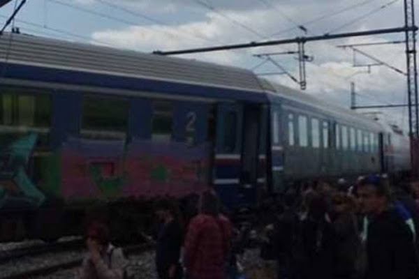 Εκτροχιασμός βαγονιών Intercity μετά τον σταθμό Παλαιοφαρσάλου