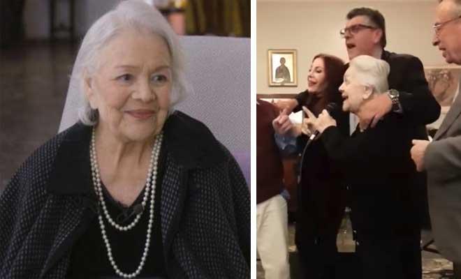 Δάκρυσαν όλοι με τη Μαίρη Λίντα στο Γηροκομείο Αθηνών – Βίντεο