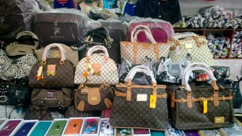 Κρήτη: Δεκάδες χιλιάδες μαϊμού προϊόντα εντοπίστηκαν σε αποθήκες
