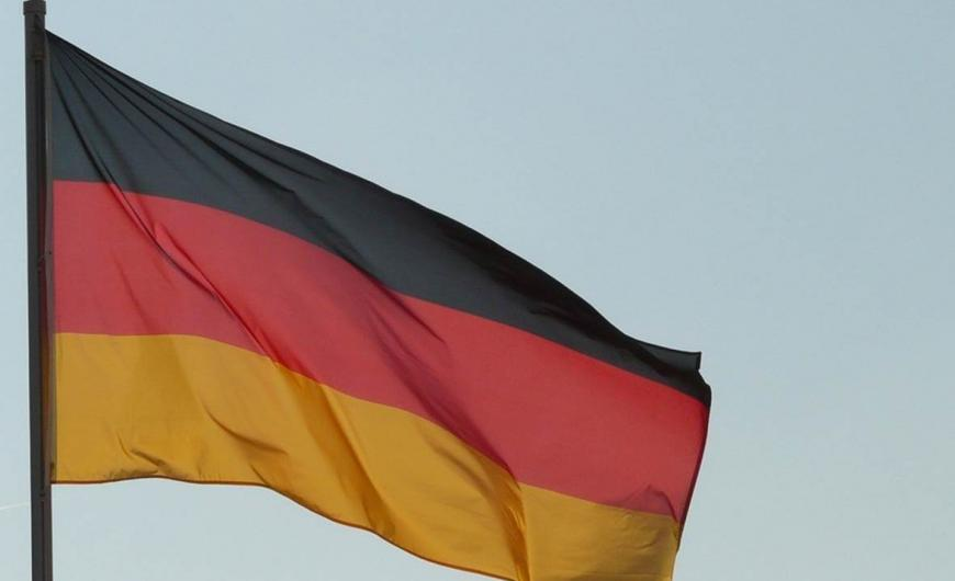 Χανιά: Κατέβασαν την ελληνική σημαία και ύψωσαν τη γερμανική (εικόνα)