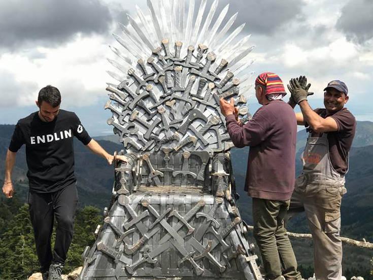 Ο Σιδερένιος Θρόνος του Game of Thrones στην… Παύλιανη στη Φθιώτιδα