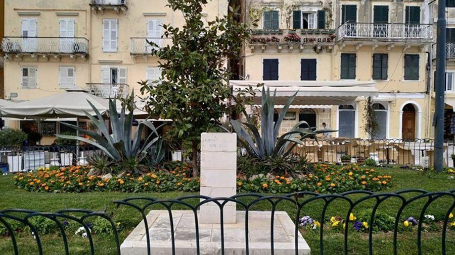 Κέρκυρα: Άγνωστοι έκλεψαν την χάλκινη προτομή του Γεωργίου Ράλλη