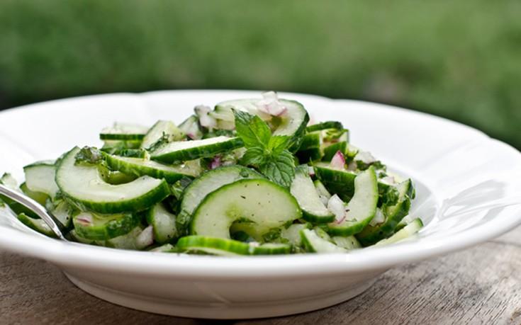 Σαλάτα με φέτα και αγγούρι