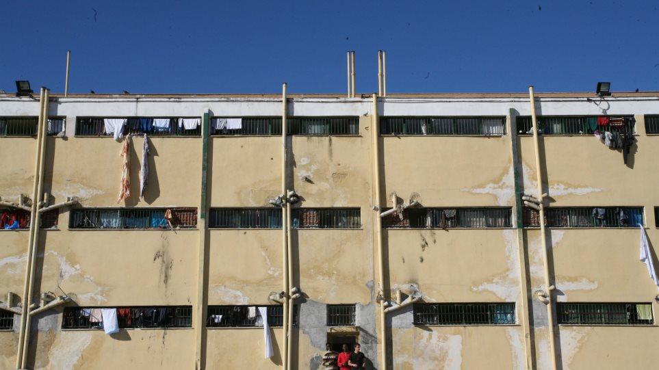 Έκτακτος έλεγχος και πειθαρχική εξέταση για την απόδραση από τις φυλακές Αυλώνα